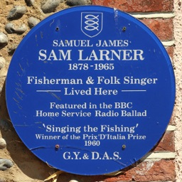 Blue plaque on the wall of Sam Larner's cottage in Bulmer Lane, Winterton (from the Winterton-on-Sea website)